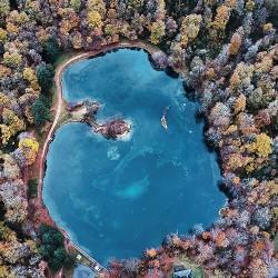 Lac de Bethmale en automne